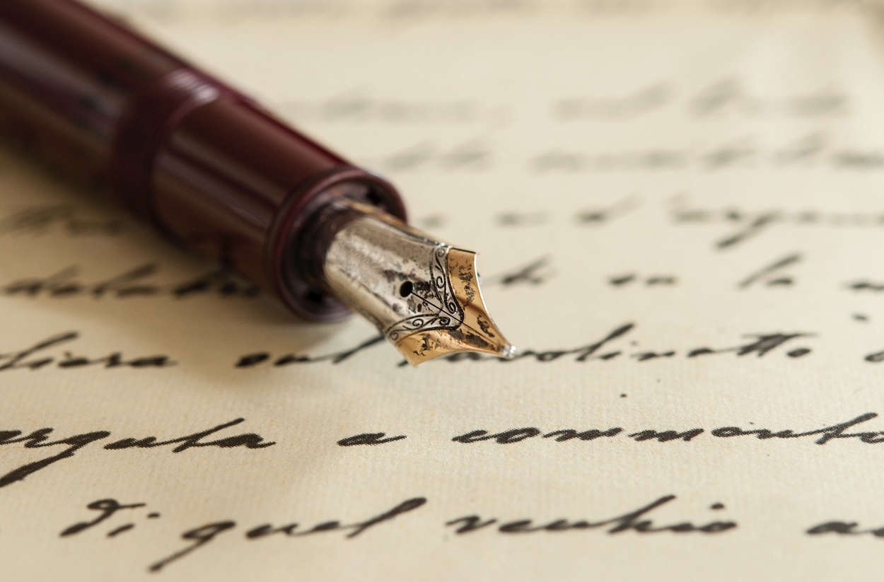Fountain pen with parchment